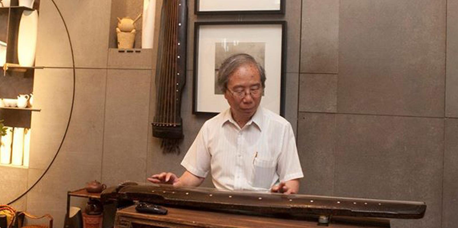 有幸榮邀 香江著名琴人謝俊仁博士 攜同明代古琴 主持 -古琴導賞